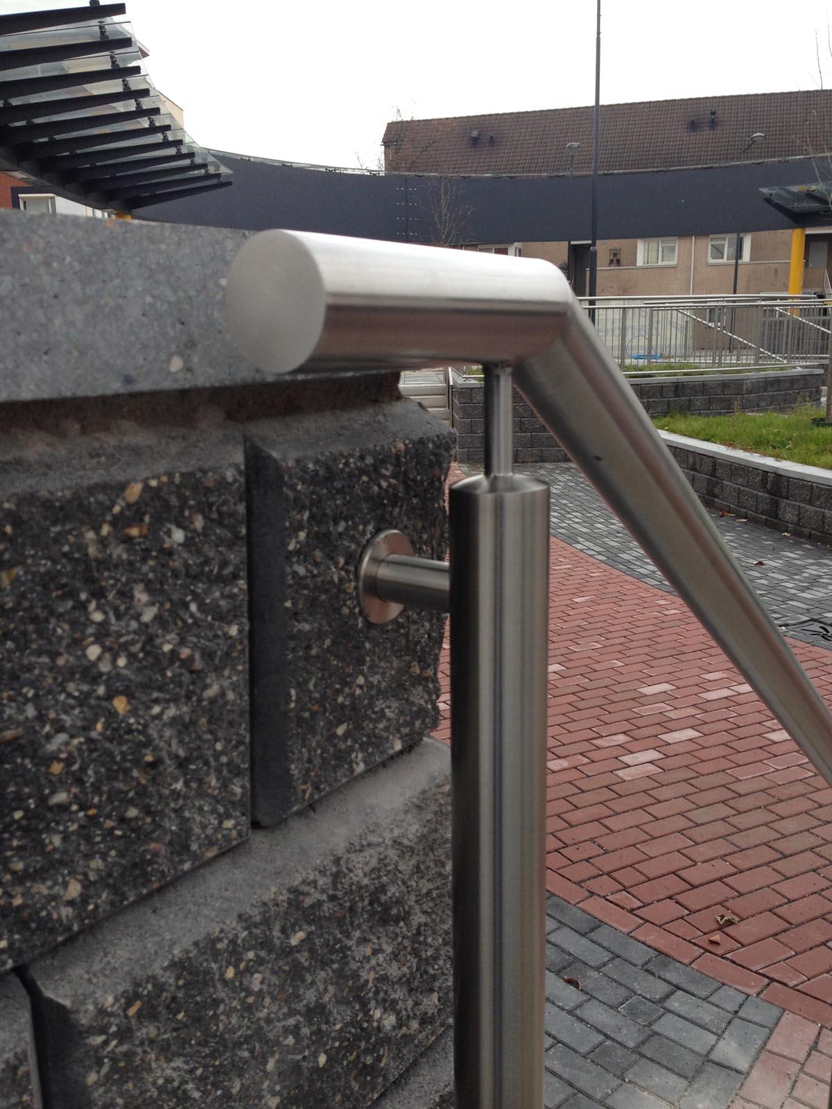 Kanters Metaalservice - Busstation Oosterhout Hekwerk